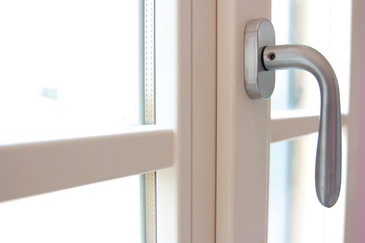 Finestre in legno alluminio mazzini serramenti - Costruire una finestra in alluminio ...