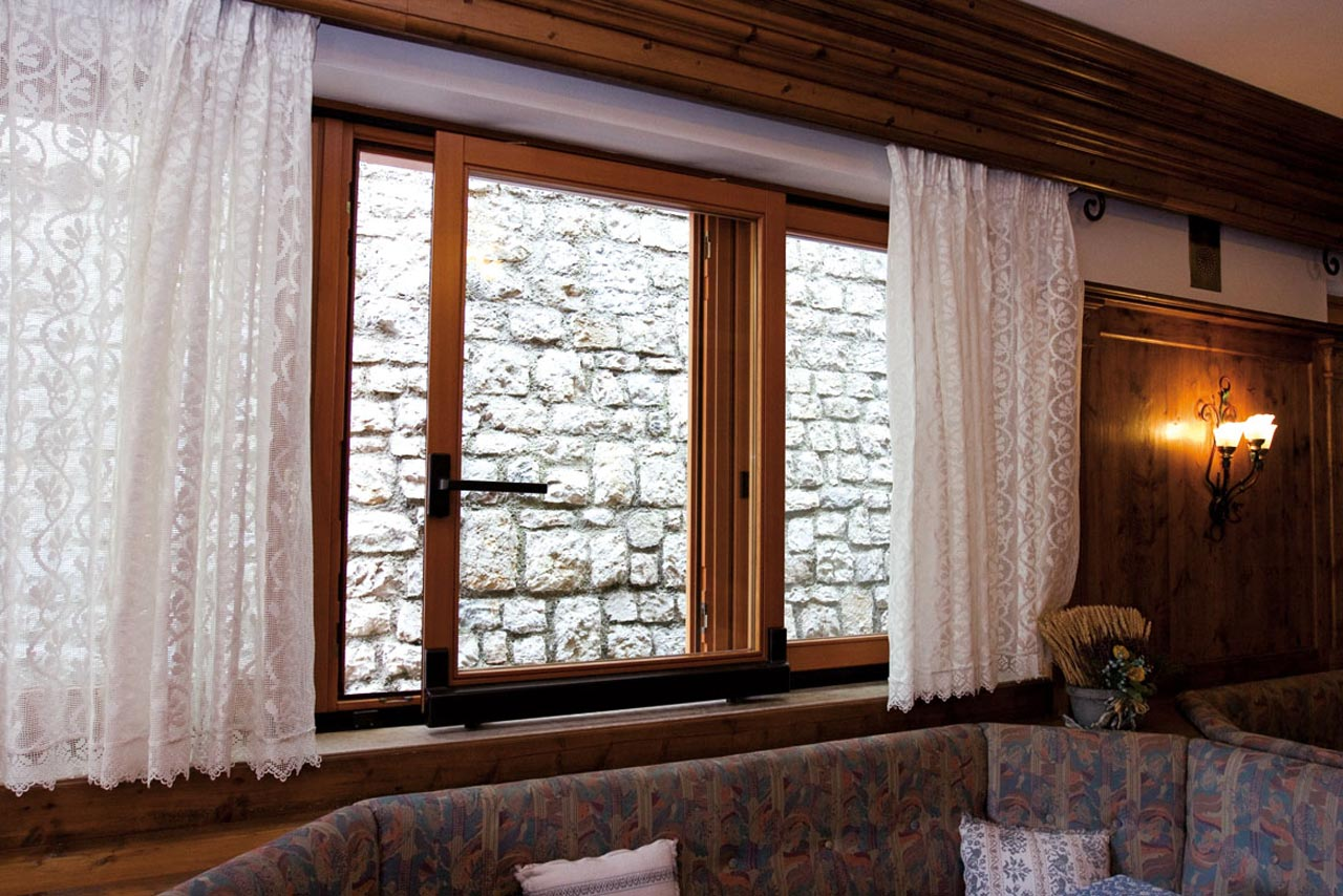 Finestre in legno mazzini serramenti - Finestre in legno ...