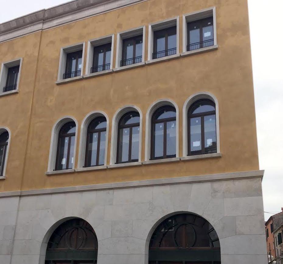 Serramenti di pregio Palazzo ex-Tirrenia - Mazzini Serramenti